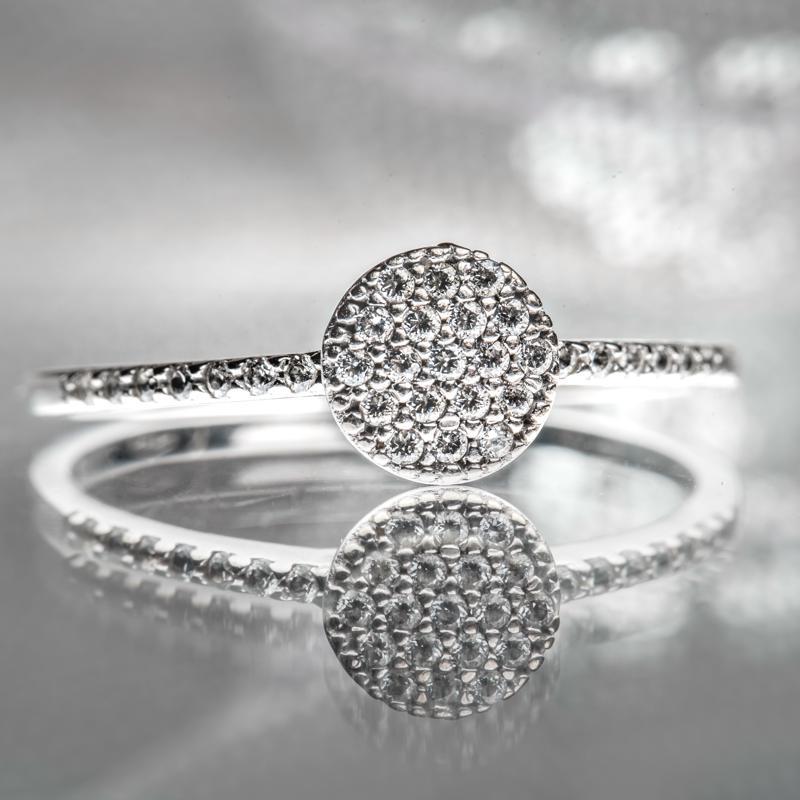 Productfotografie van een ring voor een juwelier en goudsmid in Zeist door fotograaf Arnick